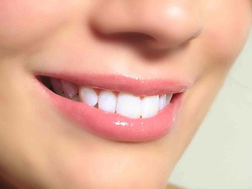 factores que influyen en la estetica dental