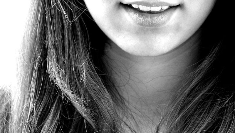 factores, problemas, causas y soluciones del sangrado de encías o gingivitis