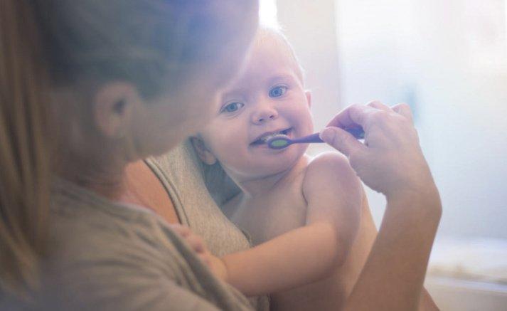consejos de dentistas para salud dental de niños según la edad que tienen