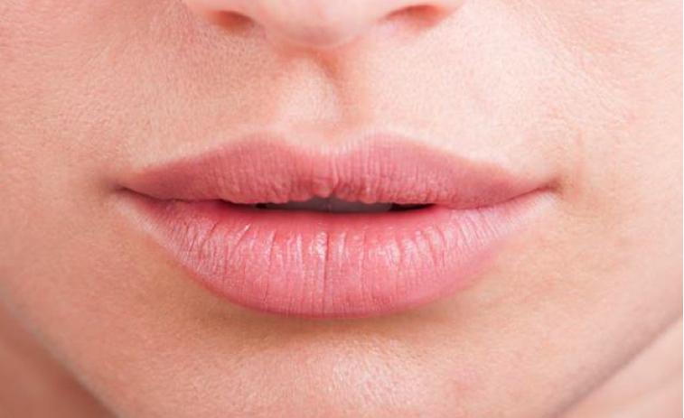 consejos y tips contra la queilitis y los labios secos en invierno y con frío