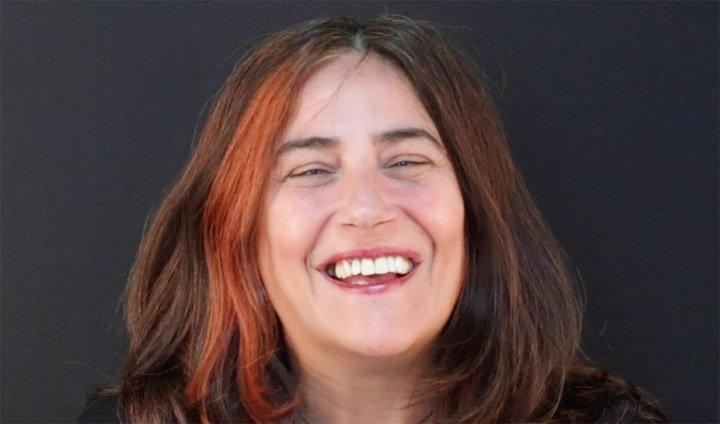 testimonio en video de Cristina, paciente de Dental Navarro Madrid satisfecha