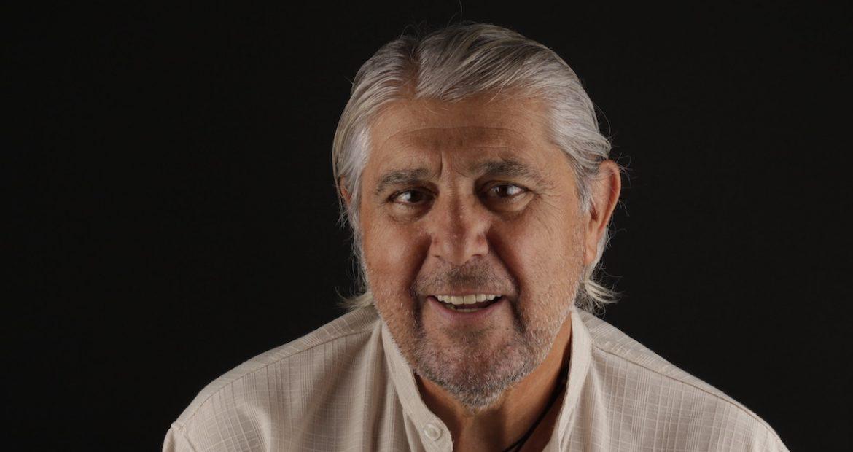 Opinión de nuestro paciente Carlos sobre rehabilitación de arcada superior con prótesis fija con implantes dentales